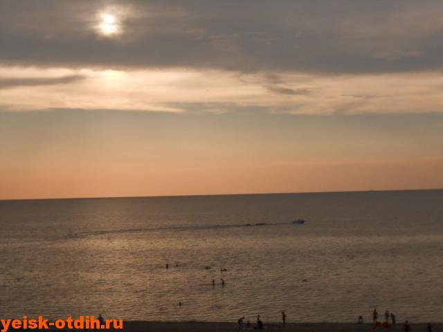 пляж каменка ейск закат