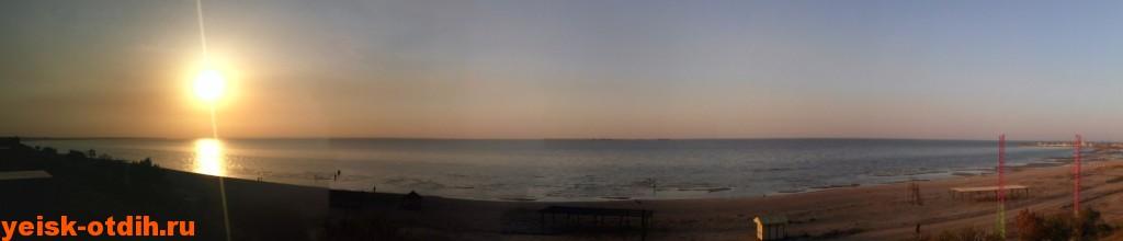 Панорама пляжа Каменка Ейск