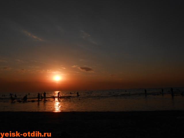 лучший пляж ейска