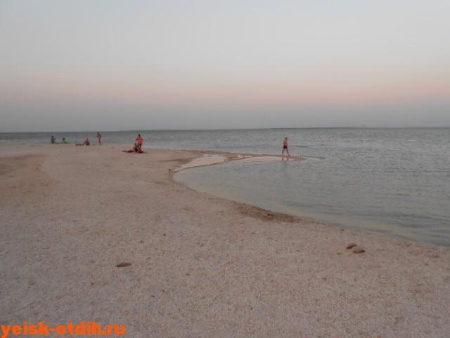 пляж яхт клуба ейская коса