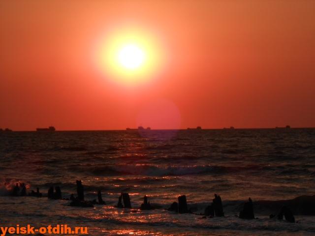 закат над морем в ейске