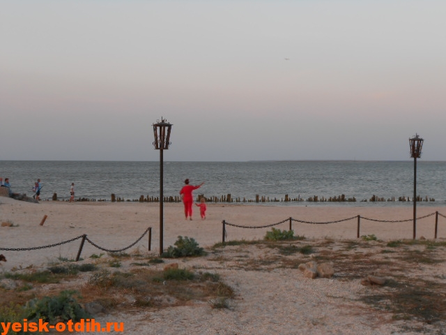 парк на берегу таганрогского залива