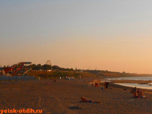 пляж каменка в городе Ейске