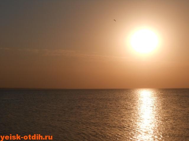 закат солнца над азовском море